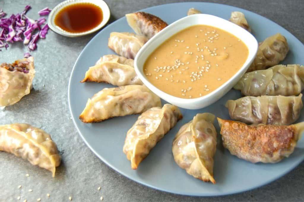 1 Pan Vegetarian Vegan Gyoza Dumpling Recipe Vegan Recipes To