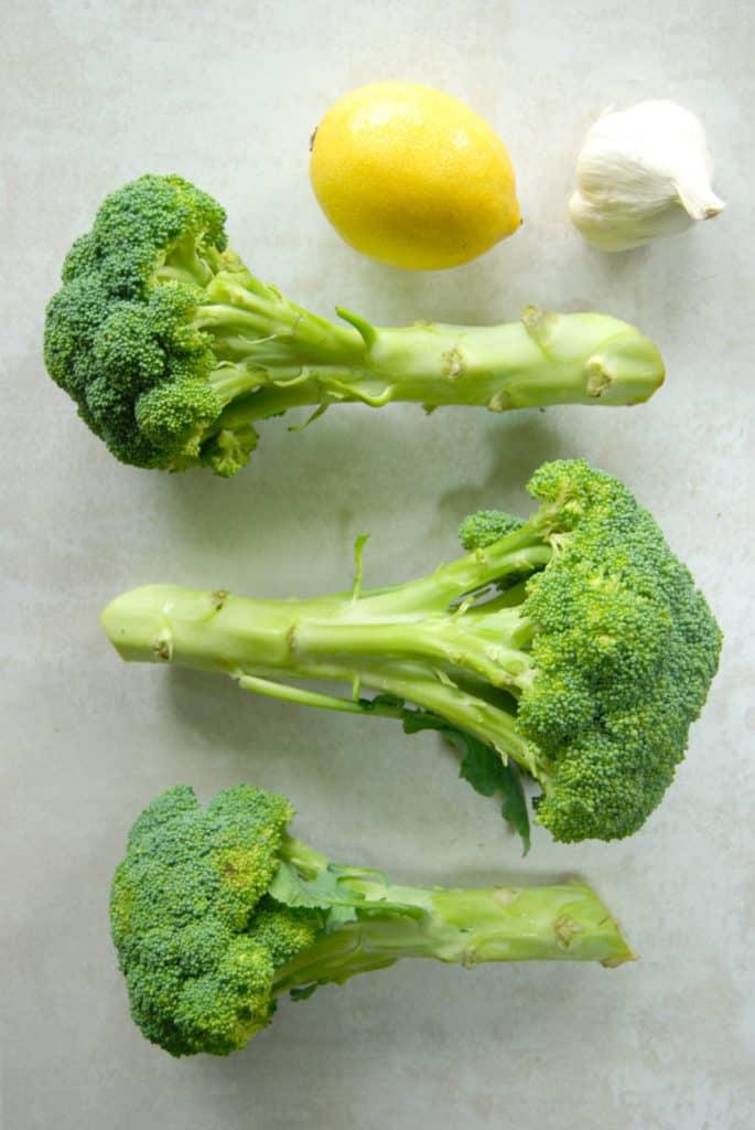 Fresh broccoli florets to steam.