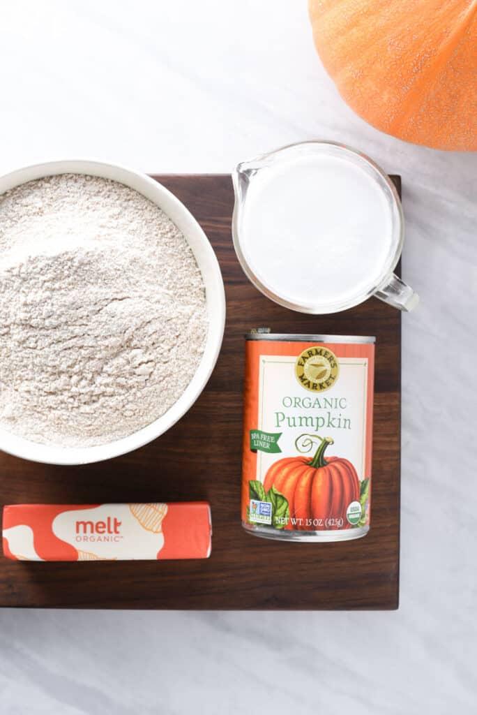 Ingredients for pumpkin pecan cobbler